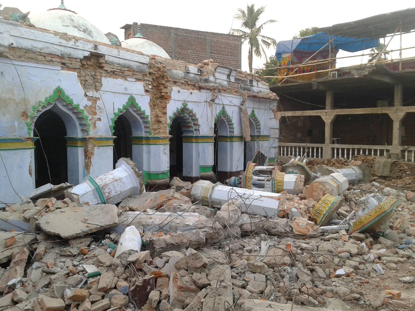 मस्जिद की बिखरी ईंटे भी हिसाब लेंगी
