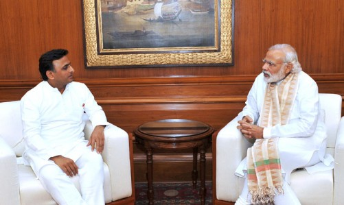 The Prime Minister, Shri Narendra Modi meeting the Chief Minister of Uttar Pradesh, Shri Akhilesh Yadav on the drought situation in various parts of Uttar Pradesh, in New Delhi on May 07, 2016.