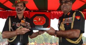 सेनाध्यक्ष बलबीर सुहाग ने बिहार रेजिमेंटल संटर के अफसरों को किया सम्मानित