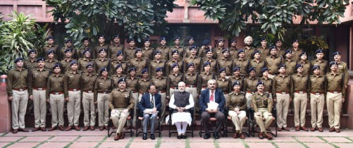 The IPS Probationers of 2015 batch, call on the Prime Minister, Shri Narendra Modi, in New Delhi on November 17, 2016.