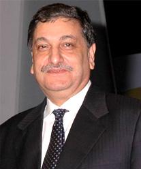 इशाअत हुसैन टाटा की अनेक कम्पनियों के चेयरमैन भी हैं