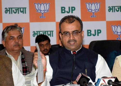 PATNA, FEB 16 (UNI):-  BJP state president Mangal Pandey address  press conference at party office. BJP staged a walkout at all parties meeting in Patna on Monday. UNI PHOTO-89U