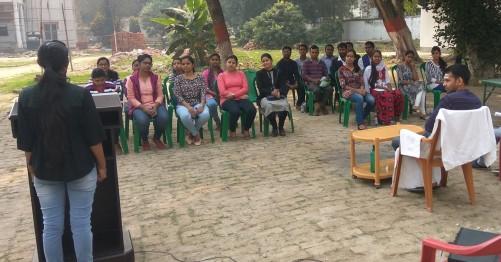 तेज प्रताप ने सदस्यता ग्रहण करने वाली छात्राओं का किया स्वागत