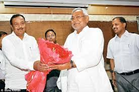 सीएम के साथ अंजनी कुमार सिंह