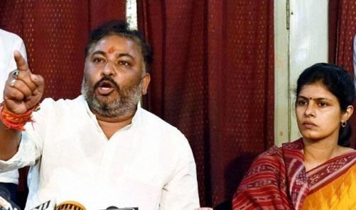 dayashankar-singh-and-swati
