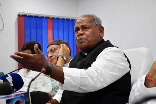 PATNA, JULY 1 (UNI):-Former Bihar chief minister and chief of the Hindustani Awam Morcha (HAM) Jitan Ram Manjhi addressing a press conference in Patna on Wednesday. UNI PHOTO -11U