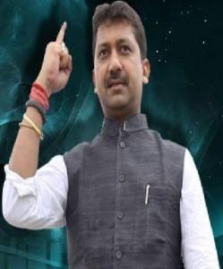 सुमित कुमार चकाई के पूर्व विधायक हैं