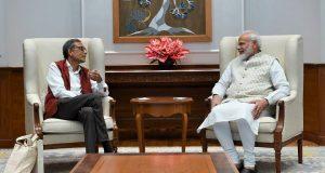 Modi with Abhijit Banarjee Twitter pic